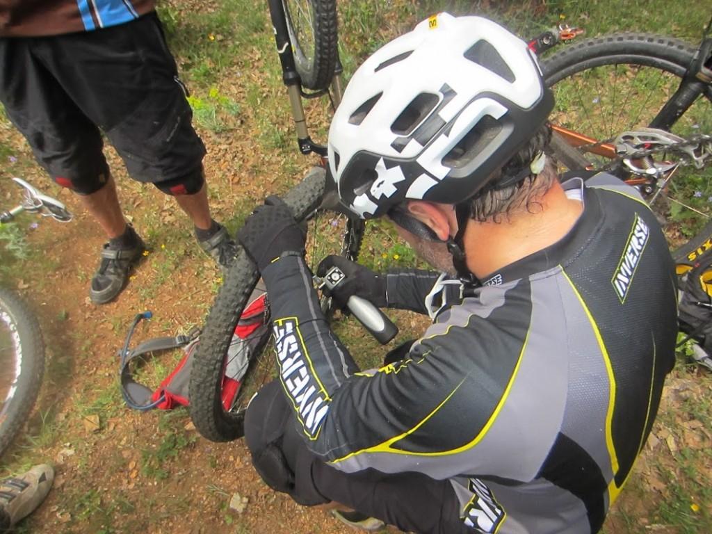 Gonflage rapide d un pneu tubeless - Bimpair
